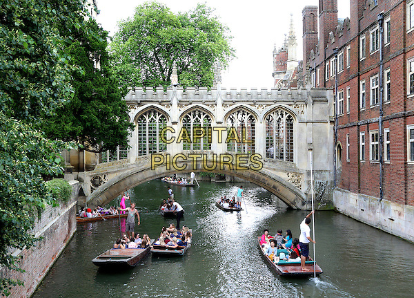 Punting on the River Cam by the Bridge of Sighs, Cambridge, England on July 29th 2016<br /> CAP/ROS<br /> &copy;Steve Ross/Capital Pictures