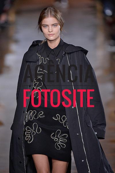 Paris, Franca &ndash; 02/2014 - Desfile de Stela McCartney durante a Semana de moda de Paris - Inverno 2014.&nbsp;<br /> Foto: FOTOSITE