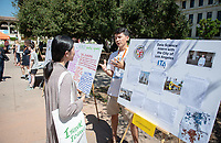 Phillip Wong '20, Data Science Federation, city of L.A.<br /> 2018 InternLA student participants share their poster presentations about their summer experiences working as interns in Los Angeles. Summer Experience Expo, Sept. 13, 2018 in the Academic Quad. Hosted by Career Services.<br /> (Photo by Marc Campos, Occidental College Photographer)