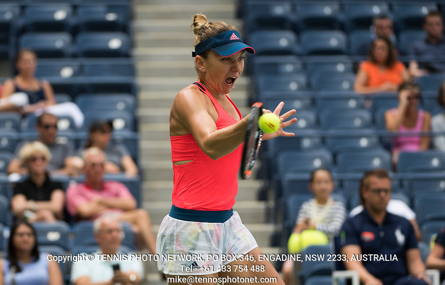 SIMONA HALEP (ROU)<br /> <br /> TENNIS - THE US OPEN - FLUSHING MEADOWS - NEW YORK - ATP - WTA - ITF - GRAND SLAM - OPEN - NEW YORK - USA - 2016  <br /> <br /> <br /> <br /> &copy; TENNIS PHOTO NETWORK