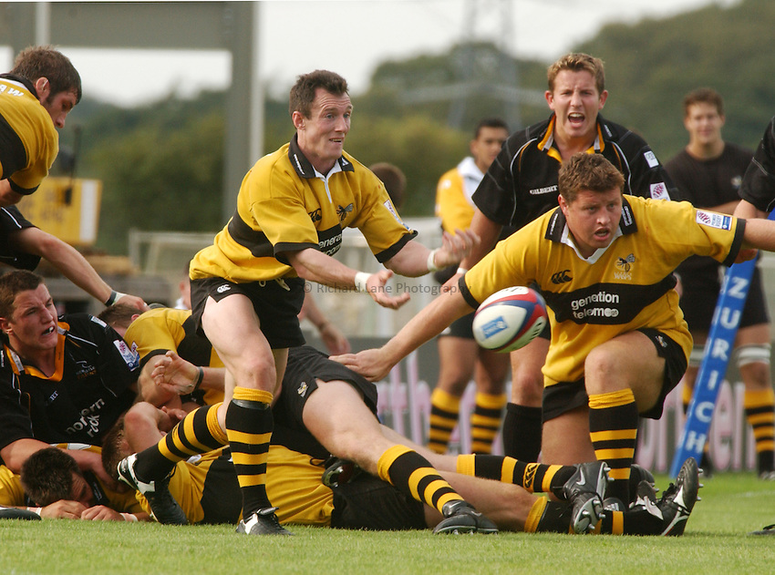 Photo. Jed Wee.Newcastle Falcons v London Wasps, Zurich Premiership, Kingston Park, Newcastle. 1-9-2002..Wasps' Rob Howley.