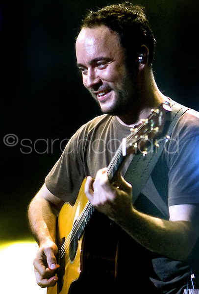 The Dave Matthews Band performs at Verizon Wireless Amphitheater in St. Louis, Mo., on Wednesday, June 17, 2009.