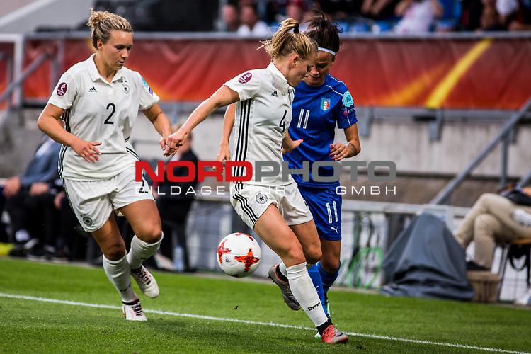 21.07.2017, Koenig Willem II Stadion , Tilburg, NLD, Tilburg, UEFA Women's Euro 2017, Deutschland (GER) vs Italien (ITA), <br /> <br /> im Bild   picture shows<br /> Josephine Henning (Deutschland #2)  (Germany #2) und Leonie Maier (Deutschland #4)   (Germany #4) gegen Barbara Bonansea (Italien #11)   (Italy #11), <br /> <br /> Foto © nordphoto / Rauch