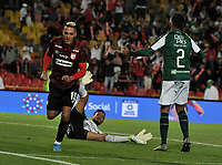 BOGOTÁ-COLOMBIA, 13-01-2020: Diego Valdés de Independiente Santa Fe, corre a celebrar el gol anotado a Deportivo Cali, durante partido entre Independiente Santa Fe y Deportivo Cali, por el Torneo ESPN 2020, jugado en el estadio Nemesio Camacho El Campin de la ciudad de Bogotá.  / Diego Valdes of Independiente Santa Fe, runs to celebrate a goal scoring to Deportivo Cali, during a match between Independiente Santa Fe and Deportivo Cali, for the ESPN Tournament 2020, played at the Nemesio Camacho El Campin stadium in the city of Bogota. Photo: VizzorImage / Luis Ramírez / Staff.