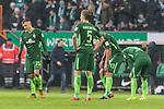 13.01.2018, Weserstadion, Bremen, GER, 1.FBL, SV Werder Bremen vs TSG 1899 Hoffenheim<br /> <br /> im Bild<br /> Ludwig Augustinsson (Werder Bremen #5), Maximilian Eggestein (Werder Bremen #35), Milos Veljkovic (Werder Bremen #13) nach Spielende, <br /> <br /> Foto &copy; nordphoto / Ewert