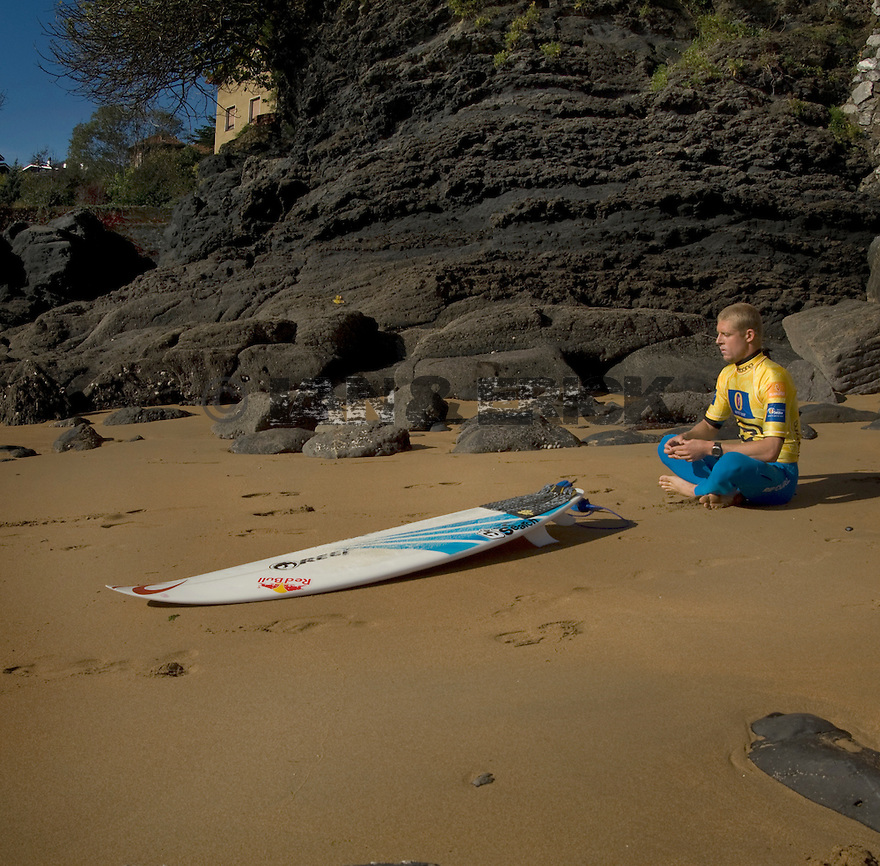 Australian Mick Fanning meditating before paddling out during the Billabong Mundaka pro in Spain.