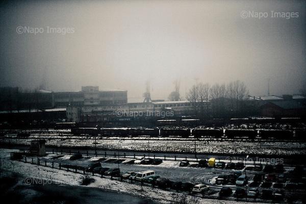 Riga 23.01.2009 Latvia<br /> Empty Shipyard in Riga.<br /> Latvia and Estonia, facing the worst economic slump since the end of Soviet rule in 1991, will suffer an even deeper economic contraction and risk deflation through next year.<br /> Photo: Adam Lach / Napo Images for Newsweek Polska<br /> <br /> Pusta stocznia w Rydze.<br /> Marzenia  Lotyszy i Estonczykow o szybkim zbudowaniu drugiej Skandynawii spelzly na niczym. Po latach prosperity kraje baltyckie ze wszystkich sil ratuja sie przed bankructwem.<br /> Photo: Adam Lach / Napo Images for Newsweek Polska