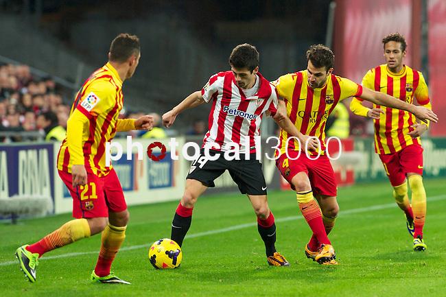 BILBAO.ESPAÑA.FÚTBOL.<br /> Partido de La Liga BBVA entre el Ath.Club y el Barça , a 01/12/2013.<br /> En la imagen :<br /> 11Neymar (FC Barcelona)<br /> 4Cesc Fabregas (FC Barcelona)<br /> 21Adriano (FC Barcelona)<br /> 14Markel Susaeta (Athletic Bilbao)