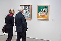 """Die Ausstellung """"Picasso. Das spaete Werk"""" wird vom 9. Maerz bis 16. Juni 2019 im Potsdamer Museum Barberini gezeigt.  Alle Leihgaben, Gemaelde, Keramiken, Skulpturen und Graphiken von Pablo Picasso (1881–1973), stammen aus der Sammlung Jacqueline Picasso (1927–1986).<br /> In der von Gastkurator Bernardo Laniado-Romero getroffenen Auswahl befinden sich zahlreiche Werke, die erstmalig in Deutschland gezeigt werden sowie einige, die zum ersten Mal in einem Museum praesentiert werden.<br /> Im Bild: Ein Paar betrachtet die Gemaelde """"Akt vor einem Skulpturensockel"""", Oel auf Leinwand, vom 1. November 1965 (links) und """"Ausgestreckter Akt"""", Oel auf Leinwand, vom 22. Februar und 7. April 1965.<br /> 7.3.2019, Potsdam<br /> Copyright: Christian-Ditsch.de<br /> [Inhaltsveraendernde Manipulation des Fotos nur nach ausdruecklicher Genehmigung des Fotografen. Vereinbarungen ueber Abtretung von Persoenlichkeitsrechten/Model Release der abgebildeten Person/Personen liegen nicht vor. NO MODEL RELEASE! Nur fuer Redaktionelle Zwecke. Don't publish without copyright Christian-Ditsch.de, Veroeffentlichung nur mit Fotografennennung, sowie gegen Honorar, MwSt. und Beleg. Konto: I N G - D i B a, IBAN DE58500105175400192269, BIC INGDDEFFXXX, Kontakt: post@christian-ditsch.de<br /> Bei der Bearbeitung der Dateiinformationen darf die Urheberkennzeichnung in den EXIF- und  IPTC-Daten nicht entfernt werden, diese sind in digitalen Medien nach §95c UrhG rechtlich geschuetzt. Der Urhebervermerk wird gemaess §13 UrhG verlangt.]"""