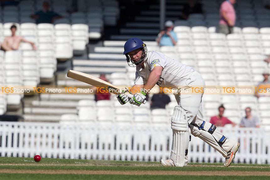 Tim Ambrose, Warwickshire CCC plays through the mid wicket area and accumulates runs - Surrey CCC vs Warwickshire CCC - LV County Championship Division One Cricket at The Kia Oval, London - 25/05/12 - MANDATORY CREDIT: Ray Lawrence/TGSPHOTO - Self billing applies where appropriate - 0845 094 6026 - contact@tgsphoto.co.uk - NO UNPAID USE.