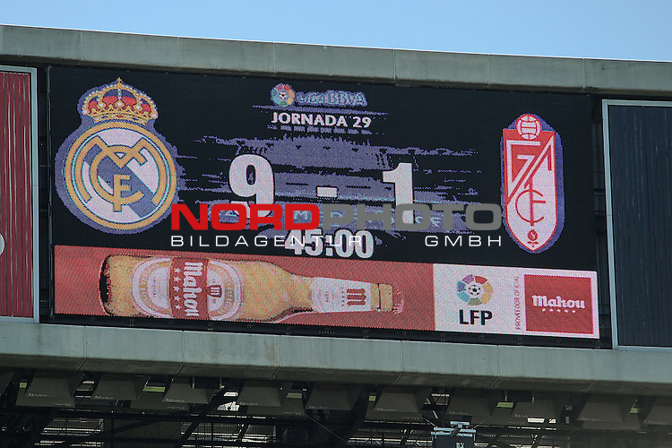 05.04.2015, Santiago Bernabéu, Madrid, ESP,La LIGA 2014/2015,  Real Madrid v Granada C.4, im Bild   Real Madrid¥s 9 goals and Granada¥s 1 goal after 2014-15 La Liga   Foto © nph / Luis Fernandez)