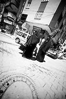 """Il y a des troubles à Cizre depuis une semaine. Les forces de l'ordre sont sur les dents, ils ont peur d'une contagion. A Silopi, vendredi, jour de prière, la police surveille les entrées et les sorties des mosquées, les rassemblements publics. Je suis arrêté dans la rue, photographié, contrôlé et contraint de """"voler"""" des photographies.<br /> <br /> There was unrest in Cizre this week. The police are on the teeth, they are afraid of contagion. At Silopi, Friday, the day of prayer, the police monitor the inputs and outputs of mosques, public gatherings. I was stopped by the police in the street, photographed, controlled and forced to """"steal"""" photographs."""