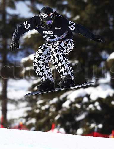 24.01.2013. Snowboarding FIS World Cup  SBX qualification day Stoneham,  Canada Snowboard Cross Qualification for men. Picture shows Nick Baumgartner USA