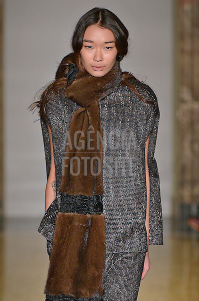 Milao, Italia &ndash; 02/2014 - Desfile de Chicca Lualdi Beequeen durante a Semana de moda de Milao - Inverno 2014. <br /> Foto: FOTOSITE