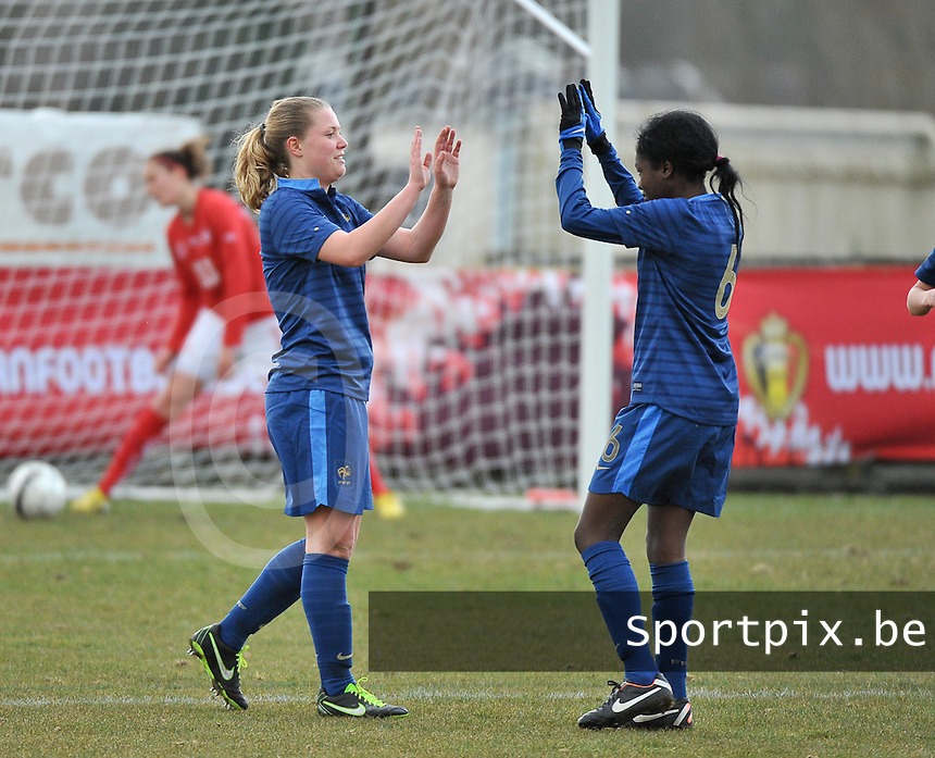 Switzerland U19 - France U19 : Léa Declercq celebrates her goal with Aminata Diallo (6).foto DAVID CATRY / Nikonpro.be