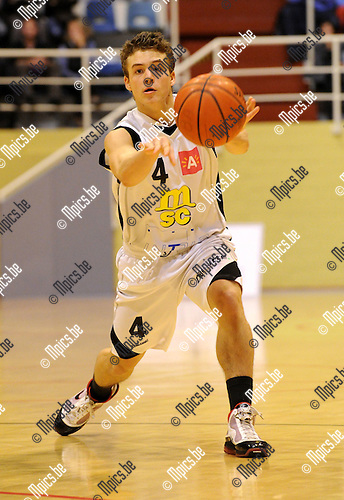 2010-11-10 / Basketbal / seizoen 2010-2011 / Sint-Jan - Gembo / Vinnie Haerbos..Foto: Mpics