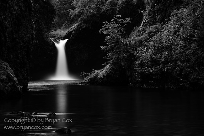 Punchbowl Falls, Columbia River Gorge, Oregon