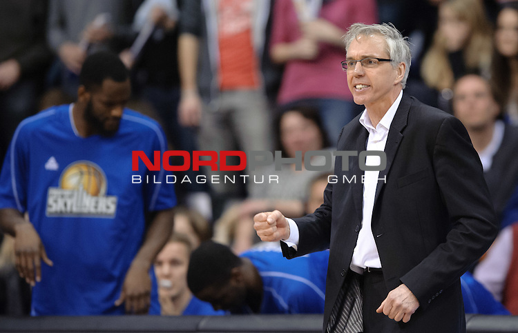 21.02.2015, EWE Arena, Oldenburg, GER, BBL, EWE Baskets Oldenburg vs FRAPORT SKYLINERS, im Bild Gordon Herbert (Trainer FRAPORT SKYLINERS)<br /> <br /> Foto &copy; nordphoto / Frisch