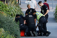 2020 07 21 Police officers arrest a man in Dillwyn Street, Swansea, Wales, UK