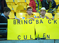 Fans call for the return of Christian Cullen during the Super Rugby match between the Hurricanes and Jaguares at Westpac Stadium, Wellington, New Zealand on Saturday, 9 April 2016. Photo: Dave Lintott / lintottphoto.co.nz