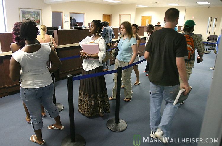 Students line up in the TCC Enrollment Services office for assistance on the first day of summer classes in Tallahassee, Florida May 9, 2007.  (Mark Wallheiser/TallahasseeStock.com)