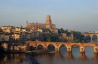 Europe/France/Midi-Pyrénées/81/Tarn/Albi: La cathédrale et les rives du Tarn