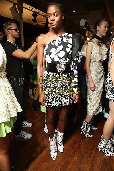 EMANUEL UNGARO<br /> Paris Fashion Week Spring Summer 2017<br /> on September 30, 2016<br /> CAP/GOL<br /> &copy;GOL/Capital Pictures