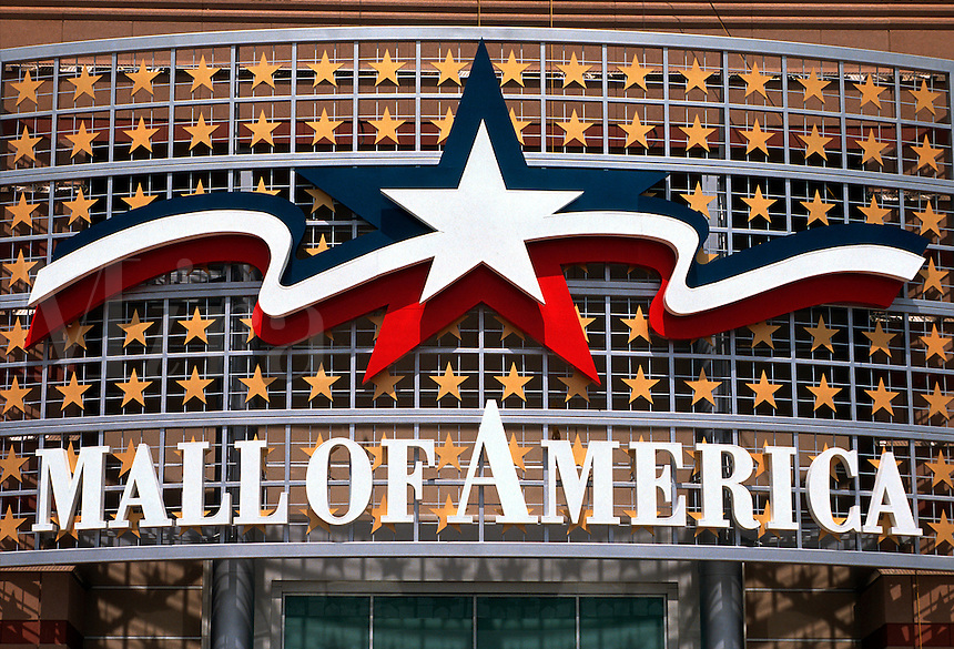 Main entrance sign for the Mall of America.