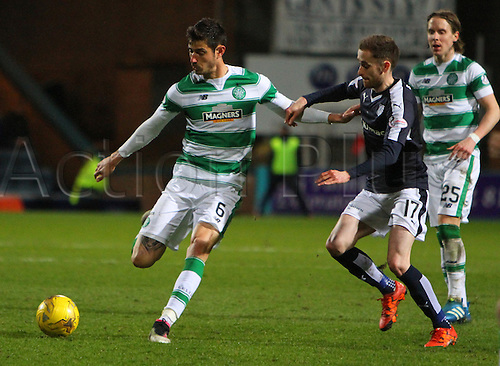 05.04.2016. Dens Park, Dundee, Scotland. Scottish Football Premiership Dundee versus Celtic. Nir Bitton and Nick Ross . The game ended in a dull 0-0 draw.