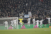 Calcio, semifinali di andata di Coppa Italia: Juventus vs Inter. Torino, Juventus Stadium, 27 gennaio 2016.<br /> Juventus' players greet fans at the end of the Italian Cup semifinal first leg football match between Juventus and FC Inter at Juventus stadium, 27 January 2016. Juventus won 3-0.<br /> UPDATE IMAGES PRESS/Isabella Bonotto