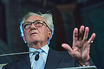 © Joel Goodman - 07973 332324 . NO SYNDICATION PERMITTED . 03/11/2014 . Manchester , UK . LORD HESELTINE ( Michael Heseltine ) delivers a speech on devolved powers , urban regeneration and his work in government following the 1981 Liverpool riots , at Manchester Town Hall this evening (Monday 3rd November 2014) . Photo credit : Joel Goodman