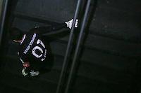SAO PAULO, SP, 02.11.2013 - SAO PAULO X PORTUGUESA - Rogerio Ceni do Sao Paulo tropeca na escada apos partida contra a Portuguesa jogo valido pelo Campeonato Brasileiro no Estadio Cicero Pompeu de Toledo, neste sabado, 02. (Foto: William Volcov / Brazil Photo Press).