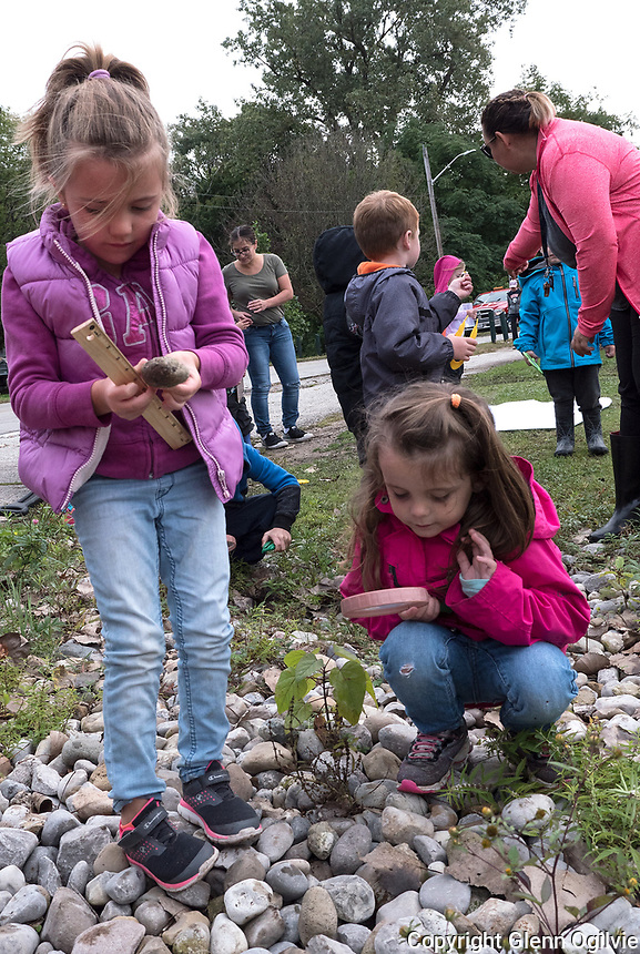 Leah Stewardson , right Kindergarten children of King George VI School explore Canatara Park, Lake Chipican and the Animal Farm during a weekly outing.