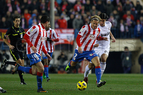 20.01.2011 Spanish Copa del Rey from the Vicente Calderon. At. Madrid vs Real Madrid 0-1. Picture shows Folrlan in action during the match...
