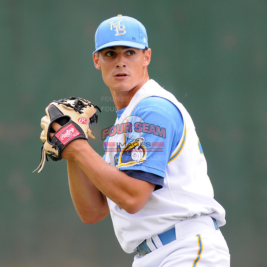 July 11, 2008: Pitcher Ryne Reynoso (30) of the Myrtle Beach Pelicans, Class A affiliate of the Atlanta Braves, in a game against the Salem Avalanche at BB&T Coastal Field in Myrtle Beach, S.C. Photo by:  Tom Priddy/Four Seam Image