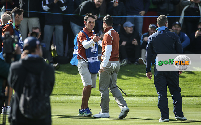 Rory McIlroy (Team Europe) with Harry during Saturday's Fourballs, at the Ryder Cup, Le Golf National, Île-de-France, France. 29/09/2018.<br /> Picture David Lloyd / Golffile.ie<br /> <br /> All photo usage must carry mandatory copyright credit (© Golffile | David Lloyd)