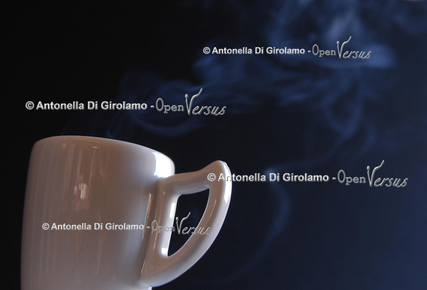 Cibi e bevande. Food and beverages..Tazzina di caffè. Cup of  Espresso coffee...