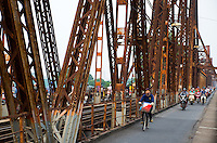 Long Biên Bridge (Vietnamese: Cầu Long Biên) is a historic cantilever bridge across the Red River that connects two districts, Hoan Kiem and Long Bien of the city of Hanoi, Vietnam. It was originally called Paul Doumer Bridge.<br />
