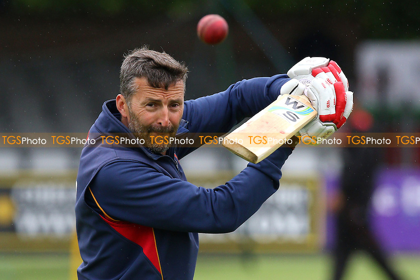 Essex CCC head coach Paul Grayson - Essex CCC vs Leicestershire CCC - LV County Championship Division Two Cricket at the Essex County Ground, Chelmsford, Essex - 31/05/15 - MANDATORY CREDIT: Gavin Ellis/TGSPHOTO - Self billing applies where appropriate - contact@tgsphoto.co.uk - NO UNPAID USE