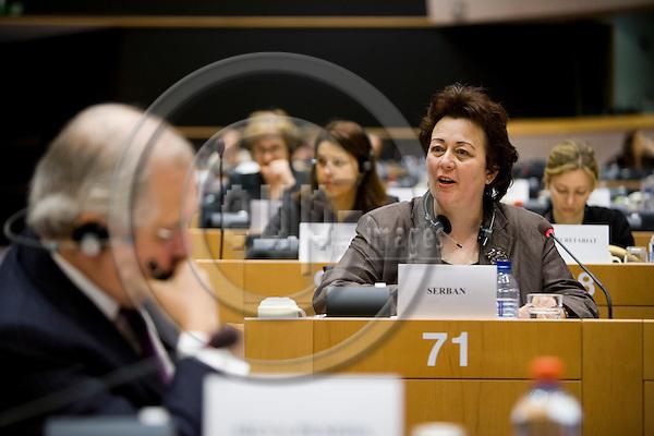 Denderleeuw - BELGIUM - 16 APRIL 2009 -- Madlen SERBAN new ETF Director speaking at her hearing in the European Parliament.  Photo: Erik Luntang/EUP-IMAGES