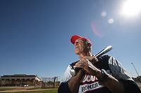 Ramon Vazquez Castillo es deportista ejemplar al estar activo a sus 72 años como jugador en la liga Veteranos Master, cumple ya 53 a-os de carrera besbolistica