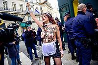 Parigi 5-01-2018 <br /> Proteste delle femministe Femen contro la visita del primo ministro turco Erdogan in Francia <br /> Foto JB Autissier / Panoramic / Insidefoto