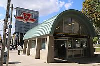 TORONTO, CAN, 24.09.2019 - TURISMO-TORONTO - Movimentação na região da Universidade de Toronto, nesta terça-feira, 24. (Foto Charles Sholl/Brazil Photo Press/Folhapress)