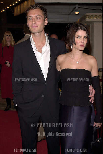 "12DEC99:  Actor JUDE LAW & actress girlfriend SADIE FROST at the Los Angeles premiere of his new movie ""The Talented Mr. Ripley."".© Paul Smith / Featureflash"