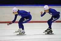 SCHAATSEN: HEERENVEEN: 18-09-2014, IJsstadion Thialf, Topsporttraining, Karolina Erbanová (CZE), Marianne Timmer (trainer Team Continu), ©foto Martin de Jong