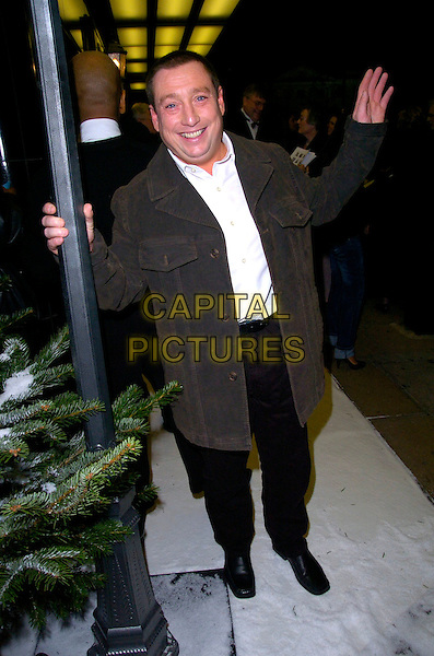 "LEE MacDONALD.The ""Hogfather"" world TV premiere, Curzon Mayfair cinema, London, UK..November 27th, 2006.full length black brown coat jacket hand McDonald.CAP/CAN.©Can Nguyen/Capital Pictures"