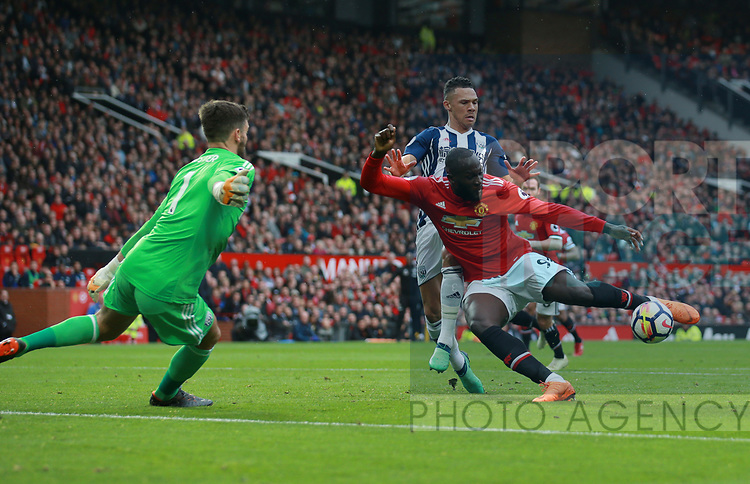 Romelu Lukaku of Manchester United has his shot saved by Ben Foster of West Bromwich Albion during the premier league match at the Old Trafford Stadium, Manchester. Picture date 15th April 2018. Picture credit should read: Simon Bellis/Sportimage
