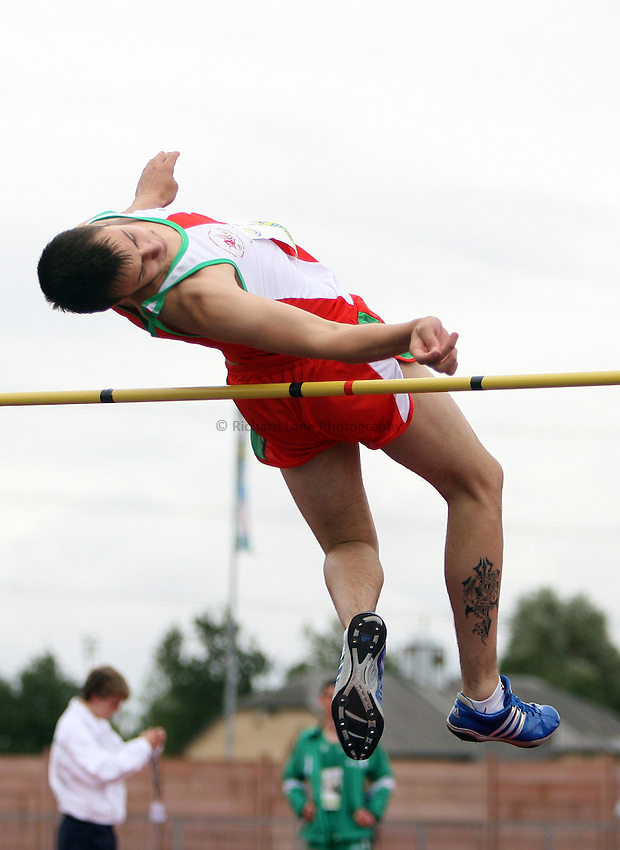 Photo: Rich Eaton...Schools International Athletic Board, Track & Field International Match, Newport. 21/07/2007. Danny Evans of Wales competes in the boys high jump.