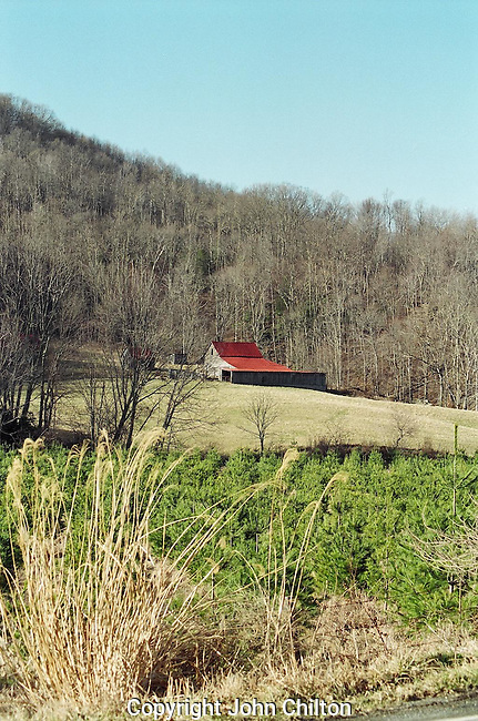 Photo of barn in North Carolina mountains.