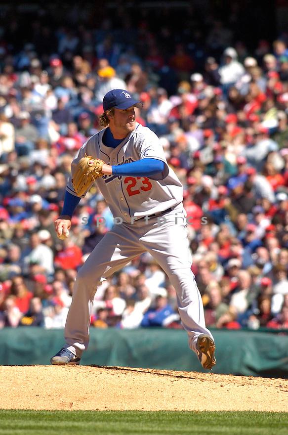 Derek Lowe, of the LA Dodgers in action against the Philadelphia Phillies in Philadelphia on April 9, 2006...Dodgers win 6-2..Chris Bernacchi / SportPics